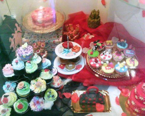 Vitrina Planet Pastry-Cupcakes